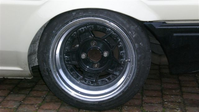 [Image: AEU86 AE86 - Low with loads of dish :-)]