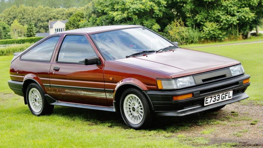 One owner Corolla AE86 sells well!