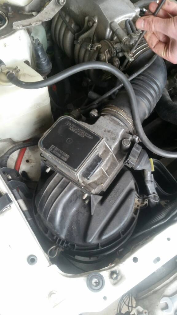 [Image: AEU86 AE86 - Air Cleaner Assembly]